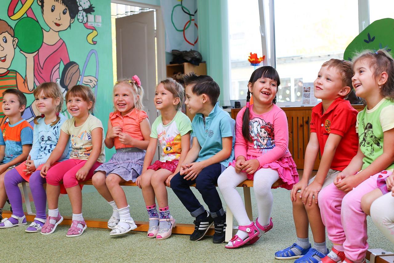 Odszkodowanie dla dziecka z ubezpieczenia szkolnego. Jak się o nie ubiegać?