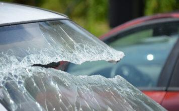 Zniszczenie samochodu przez wandali